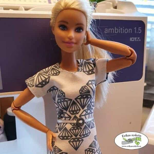♥ Barbie- sewing patterns and notions